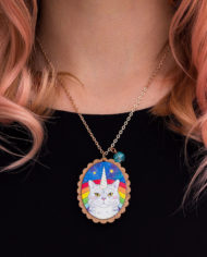 magical-caticorn-sofa-beast-rose-gold-wooden-necklace02